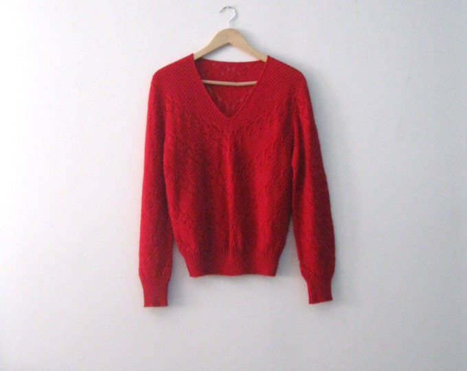 Vintage 70s red pointelle knit sweater / Valentine sweetheart sweater / Boho Hippie 1970s sweater top
