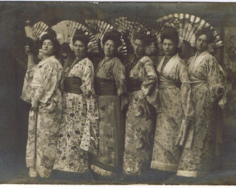 RPPC - Japanisme - Western Women in Kimonos