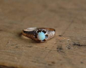 Antique Victorian 14K opal ring ∙ 1900s belcher opal solitaire ring