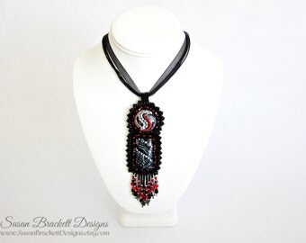 Beaded Necklace Red & Black Boho Chic Statement Piece Bohemian Cocktail Necklaces Fashion Fine Jewelry Art Nouveau Noir Glass Cameo Cabs