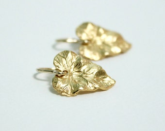 Tiny Gold Leaf Earrings / Dainty / Delicate / Nature Earrings /  Simple Dangle Drop Earrings / Minimalist