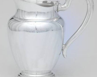 WM A ROGERS Oneida Silver Plate Water Pitcher with Ice Lip Guard Silverplated