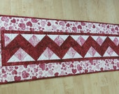 Quilted Table Runner Quilt Valentine Heart 553