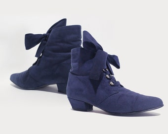 80's Periwinkle Suede Granny Boots
