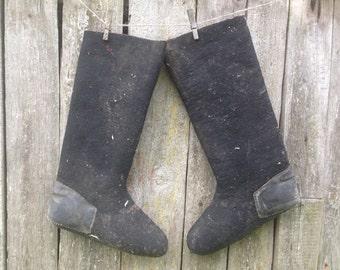 Soviet Winter VALENKI boots Soviet mens long Woolen boots Black Vintage wool boots Black felt boots