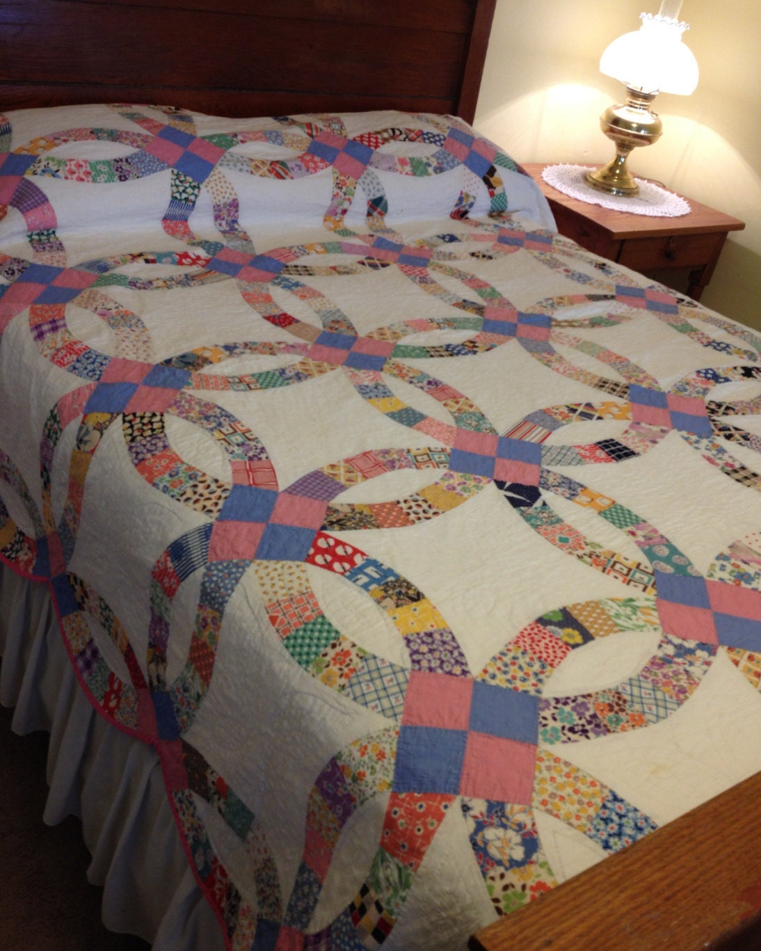 Vintage Double Wedding Ring Quilt Hand Quilted By AStringorTwo