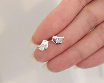 Beautifull CZ Diamond Bird Stud Earrings, Sparrow Earrings, Tiny sterling silver earrings, Children Earrings, Everyday jewelry, animal