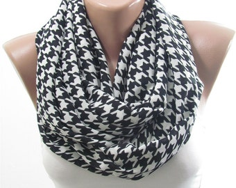 Houndstooth Scarf Infinity Scarf Black and White Geometric Scarf Mothers Day Christmas Gift For Her Gift for Mom Gift for Mother in Law Teen