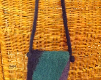 HANDFELTED WOOL BAG