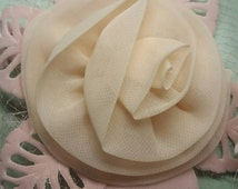Pretty In Pink Fascinator Hair Piece Flower and Netting Vintage 1950's (AC16)