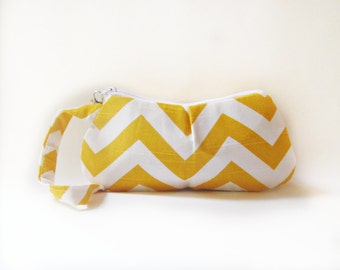 Pleated Chevron Wristlet Purse.Clutch. zigzag Wristlet. Yellow Bag.Wallet .Cell Phone Clutch.Handbag-White and yellow chevron