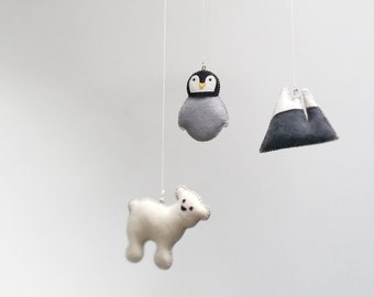 BABY MOBILE Penguin, Polar Bear, Mountain—Arctic Animals—Newborn, New Baby, Nursery, Baby Shower Gift—Manchot, Ours/Pingüino, Oso Móbil Bebé