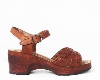 70's wood leather platform sandals size 6