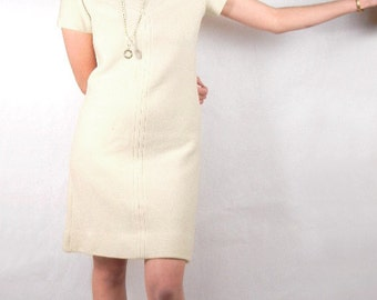White knit dress wool & mohair knit, A-line shape, cream, off-white from 1970s size 10-12 // classic styling // mod