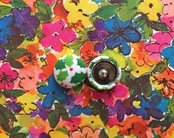 Fabric Button Earrings / Christmas Holly / Wholesale Jewelry / Stud Earrings / Holiday Gift / Stocking Stuffers / Christmas / Xmas Present