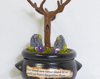 Miniature Cemetery Diorama - Gothic Miniatures - Memento Mori Art - Halloween Art