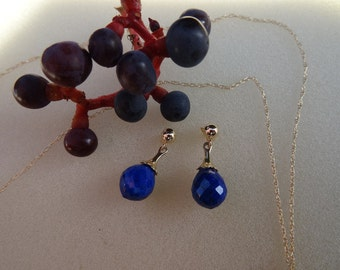 Cute, small studs in gold 585 (14 K) and lapis lazuli.