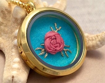 Embroidered Necklace, Embroidery Jewelry, Pink Rose Necklace, Embroidered Locket, Hand Embroidery, Gifts for Wife, Feminine Necklace
