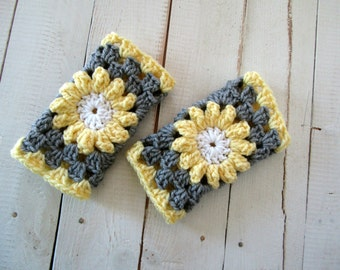 Fingerless Mitts / Handwarmers/ Texting Mitts / Crochet Granny Square