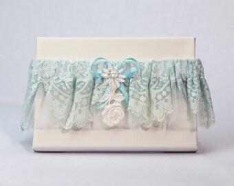 Garter 088 - Vintage Garter, Lace Garter, Wedding Garter, Liga de Bodas, Garter, Toss Garter. Made with a variety of laces & materials.