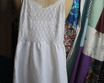 White lace and taffeta petticoat REF 420