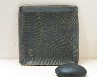 Small fern plate, gray matt