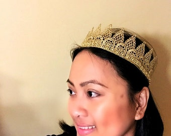 Adult size gold crown, gold crown