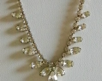 SALE  !!!!   Vintage Clear Rhinestone Marquise Stone Tear Drop Necklace