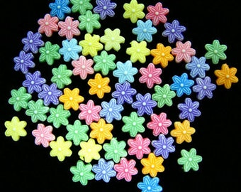 11mm Acrylic Daisy Flower Beads 100 pcs.    #ab1