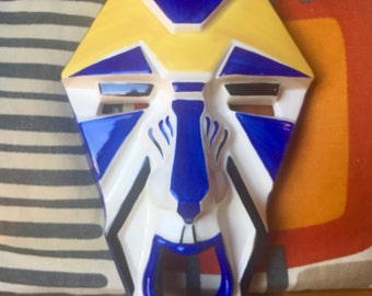 Clarice cliff art deco grotesque mask hand painted reproduced by wedgwood  wall plaque collector club ceramic 2002 england