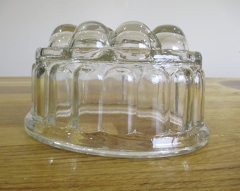 vintage jelly mould, glass jelly mould ref 2