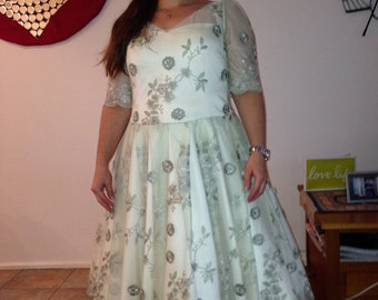 GLORIA. Mint Lace 1950's Style short Wedding Dress