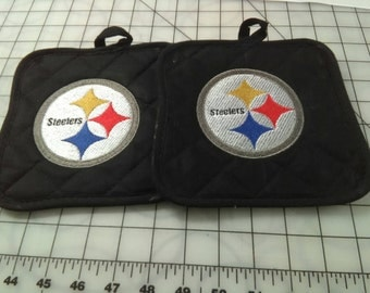 Embroidered Pittsburgh Steelers pot holder set. Or pick your favorite team