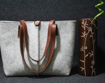 grey felt bag. Tote bag, Felt bag, Felted tote bag, bag for women, leather and felt bag,