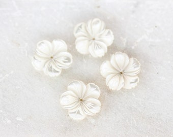 2051_5-petal flower mother of pearl 15mm x 3mm, Ivory beads, Mother of pearl beads, Flower beads, Natural white mother of pearl, Beads_8 pcs
