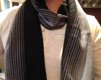 Handwoven men's scarf