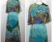 Vintage 1960s 1970s Miss Elliette Novelty Scenic Border Print Pinup Party Maxi Dress 60s 70s Chiffon Floor Length Dress M991
