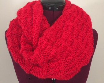 Knitted cowl/infinity scarf