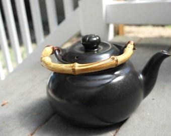 Black ceramic teapot with Bamboo handle