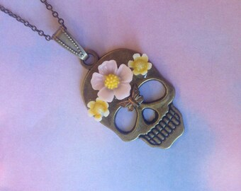 Necklace skull Mexican clear flowers