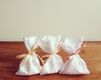 Set of 10 Lace Favor Bags, Italian Favor Bags, Thank You Bags, Sugared Almonds Bags, White