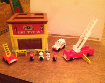 Fire station fisher price 1980