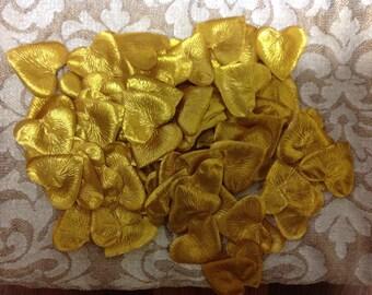 1,000 Gold Heart Petals - Gold Aritifical Heart Shape Petals