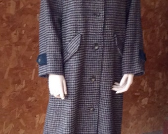 "L.L.Bean classic 1980's Houndstooth coat/long and warm/fits a tall gal/ model is 5'6""."