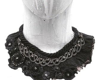 Avant Garde Jewelry - Bib Necklace - Boho Necklace - Collar Necklace - Beaded Necklace - Boho Style Necklace - Jewelry - Black - Brambuta