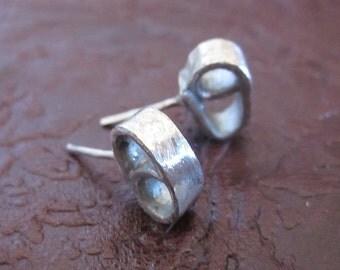 handmade geometric sterling silver earrings with an innovative design, sterling silver earring, sterling silver stud earring, stud earring