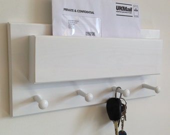 Shabby chic shaker peg key holder and mail holder rail, vintage style wooden coat hooks rack - hand painted