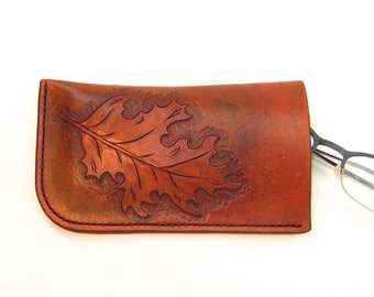 Hand Tooled Leather Glasses Case with Oak Leaf