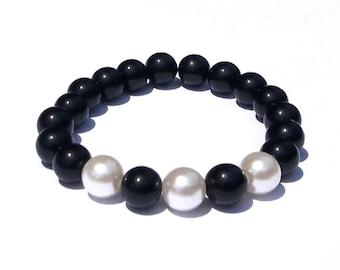 Pearl and Black Beaded Bracelet, Stretch Bracelet, Handmade