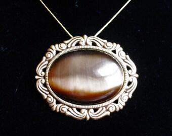 Brown Glass Cat's Eye Pin/Pendant